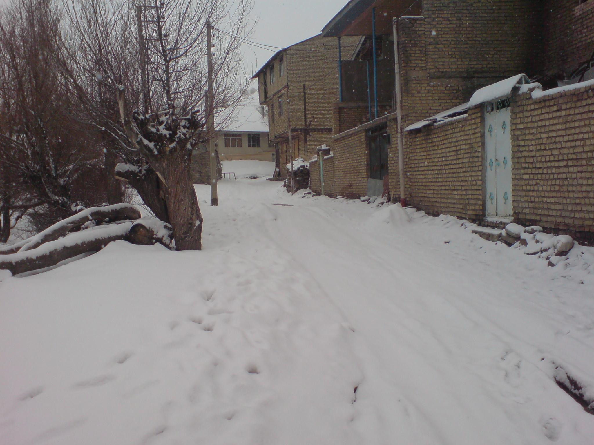 ۷۲ ساعت بارش مداوم برف در روستاي نسن نور