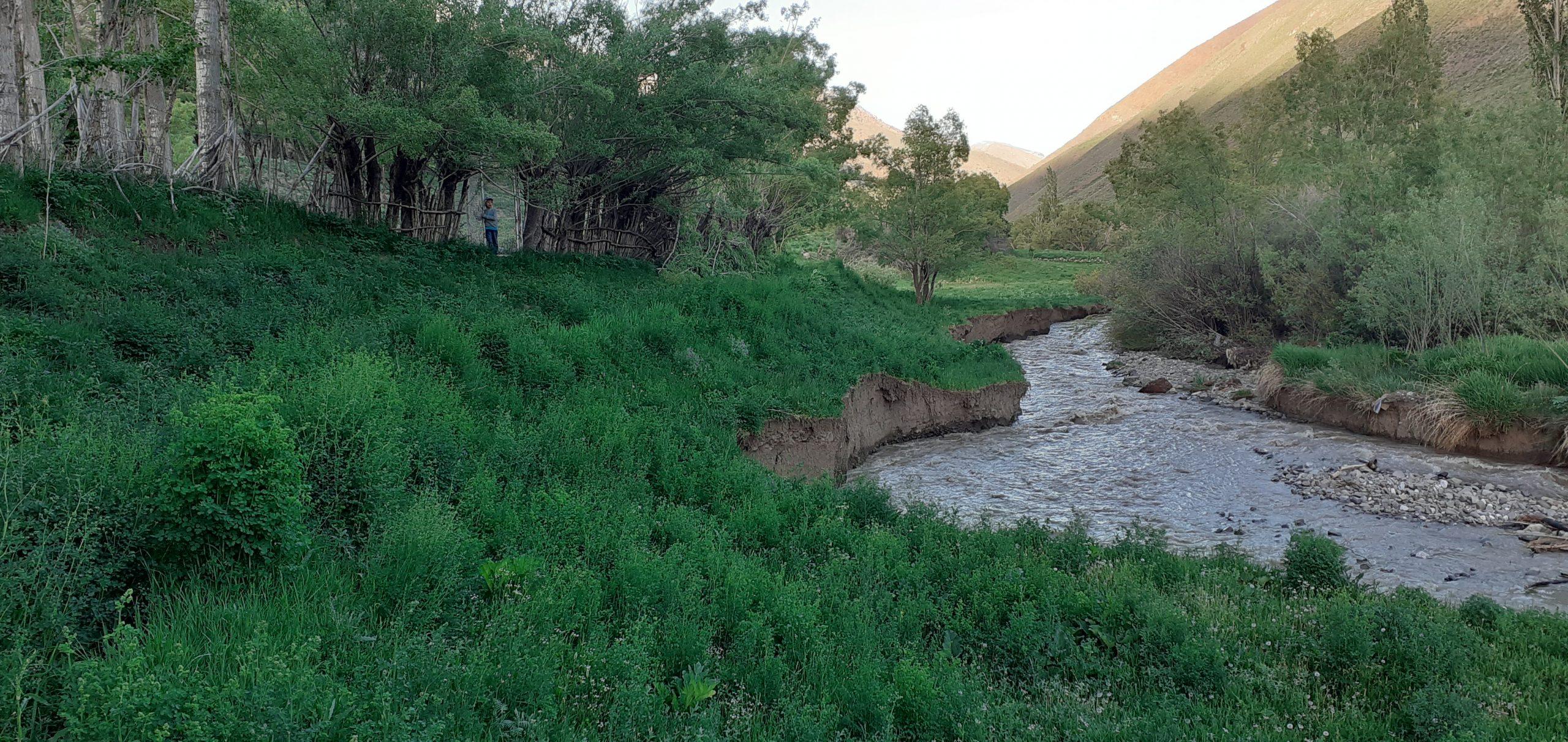 تخریب حاشیه رودخانه بعد از سیل